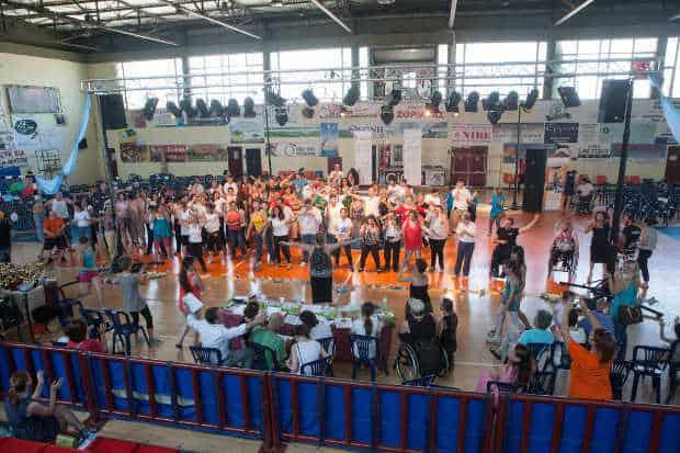 Η Π.Φ.Π.Ο. χορηγός της 1ης Πανελλήνιας Συνάντησης Ομάδων Χορού ΑμΕΑ./P.F.P.O. sponsor of the 1st Panhellenic Dance Groups Meeting for People with Disabilities