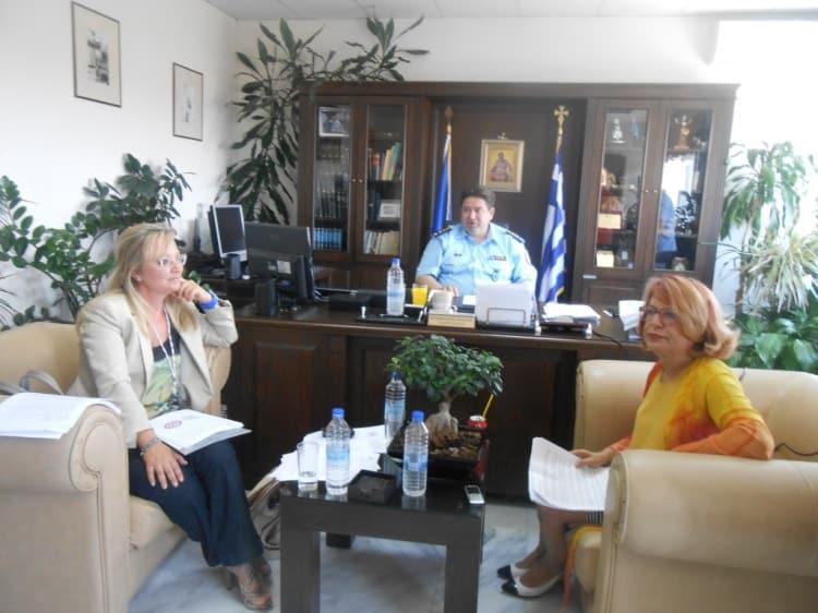 "Kρήτη: Εντατικοποιούνται οι έλεγχοι της Αστυνομίας για το ""τσιπάρισμα"" των ζώων συντροφιάς"