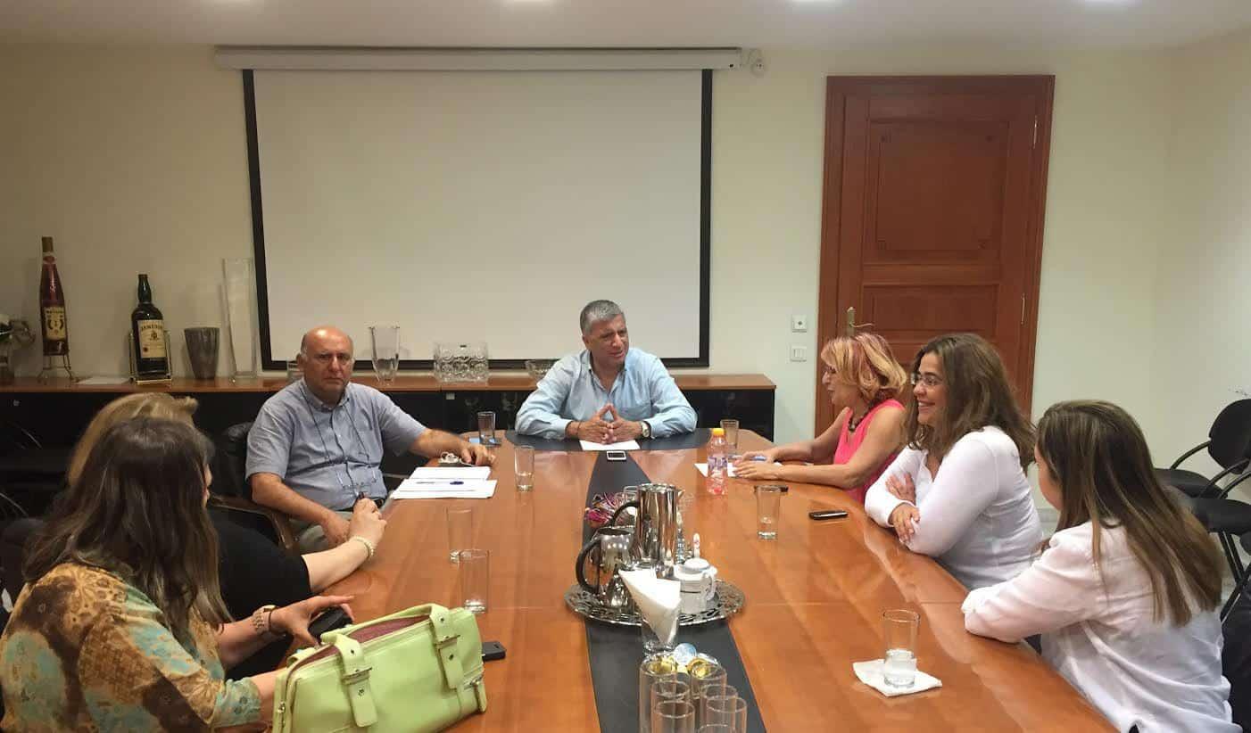 Την ανάληψη πρωτοβουλίας από την ΚΕΔΕ για τα αδέσποτα ζώα, συζήτησε ο Πρόεδρος, Δήμαρχος Αμαρουσίου Γ. Πατούλης με την «Πανελλαδική Φιλοζωική Περιβαλλοντική Ομοσπονδία»