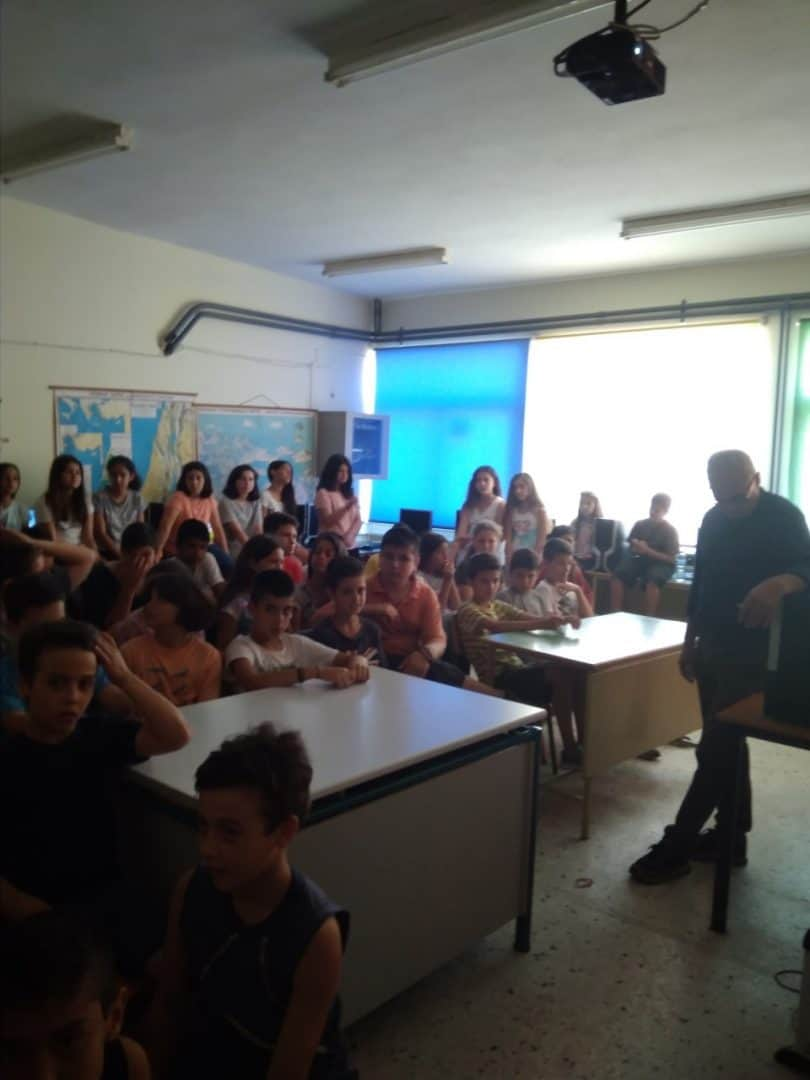 "To πρόγραμμα ""Άνθρωποι και ζώα: Συγκάτοικοι στον ίδιο πλανήτη""στο Τρίτο και Έκτο Δημοτικά Σχολεία Μεσολογγίου/The program ""People and Animals: Roommates on the same planet"" was introduced in the  3RD and 6TH Primary School in Messolonghi"