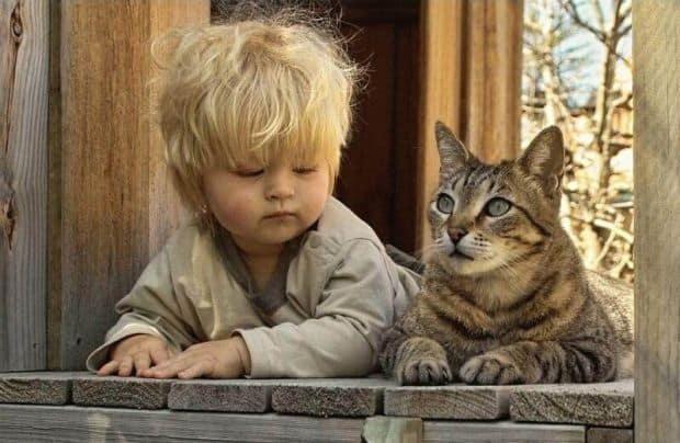 Τα παιδιά πρέπει να συναναστρέφονται με ζώα