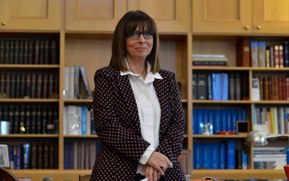 Εκκληση απηύθυνε η ΠΦΠΟ στην Πρόεδρο της Δημοκρατίας κα Κ. Σακελλαροπουλου ζητώντας την θεσμική παρέμβασή της ώστε να μπει ένα τέλος στην απίστευτη ταλαιπωρία  χιλιάδων πολιτών σε ολη τη χώρα και τον κινδυνο  εξαθλιωσης και θανάτου χιλιάδων ζώων / PFPO has appealed to Greece's President, Mrs. K. Sakellaropoulou for her institutional intervention to give a solution for stray feeding