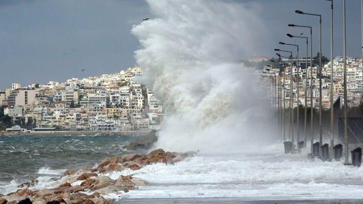 Έρχεται κακοκαιρία με ανέμους έως κ 10 μποφόρ και σφοδρές καταιγίδες.